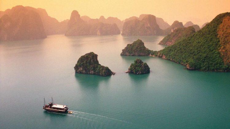 Halong - Tour Vietnam Cambogia