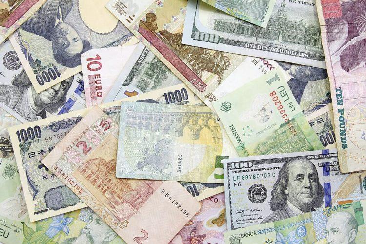 scambio monete per la vacanza al mare in Vietnam e Cambogia