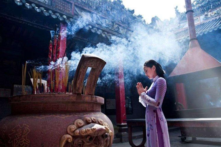 andare alla pagoda- vietnam cambogia capodanno