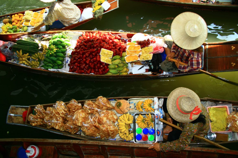 Mercati galleggianti a Can Tho vacanza estiva vietnam