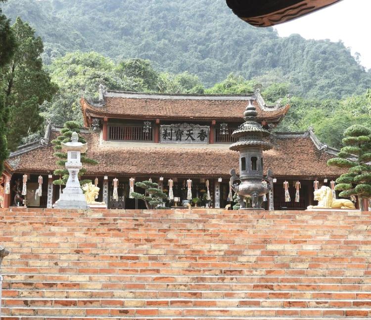 Pagoda dei Profumi - sede del Buddismo settentrionale