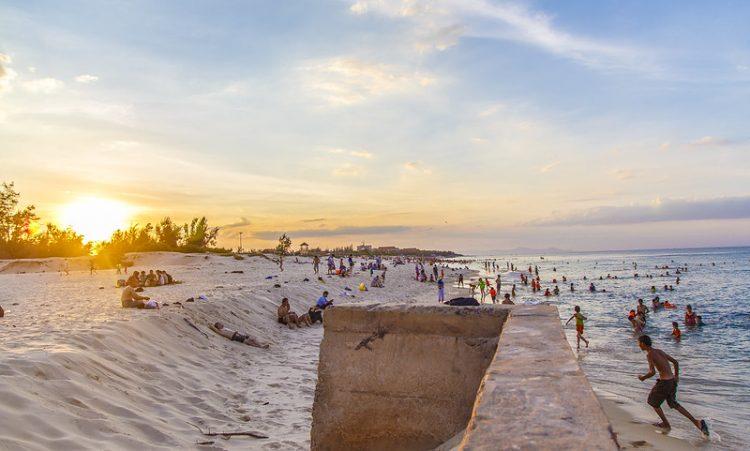 nhat-le-beach