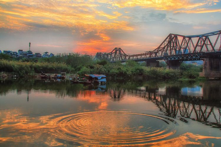 Fiume Rosso Vietnam: Tracce indicano la diversità nella cultura Vietnamita