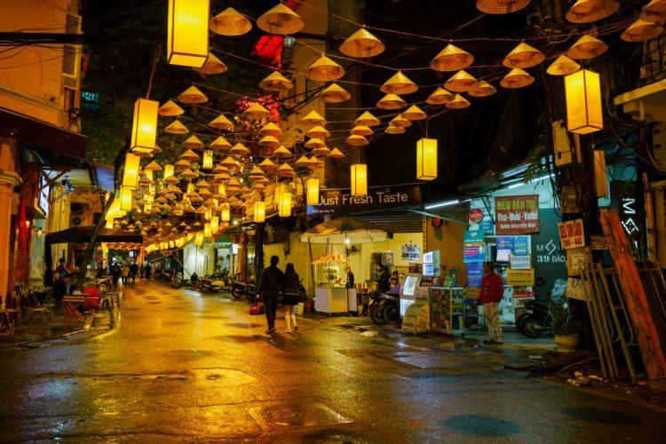 old-roads-hanoi